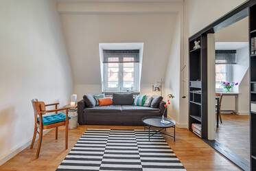 Central in Munich-Thalkirchen: nicely furnished 2-room apartment near U-Bahn station Brudermühlstraße