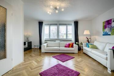 Munich-Obergiesing: Bright, furnished 3-room apartment with 2 bedrooms, internet included