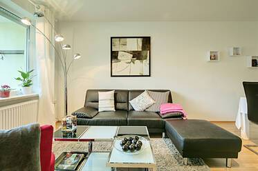 Prime location in Schwabing, very beautiful 3-room apartment with two bedrooms