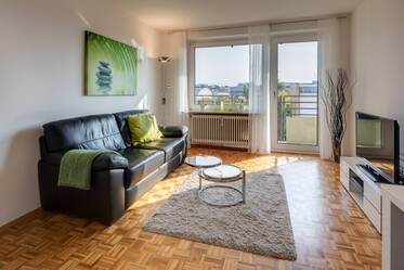 Sunny, high-quality apartment with balcony near Luitpoldpark