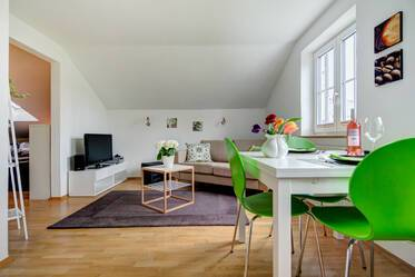 Nicely furnished attic apartment in Sendling-Westpark