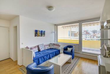 Near U3 Petuelring, Olympiapark: Nicely furnished 1-room apartment in Munich-Milbertshofen