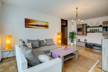 Lovely, cozy furnished 2-room apartment in Munich-Moosach