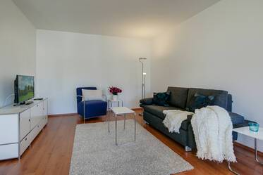 Centrally located apartment with parking space and washer-dryer