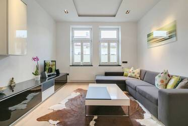 In sought-after location Haidhausen: quiet and modern-style furnished 3-room apartment with internet