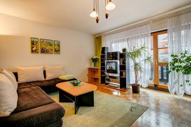 Munich - Berg am Laim: very quiet, furnished 1-room apartment with parking garage and washing machine