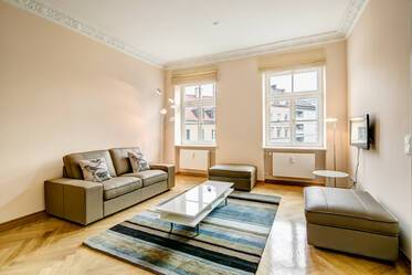 Beautiful, spacious and bright 2-room apartment in Maxvorstadt, near U2 Königsplatz