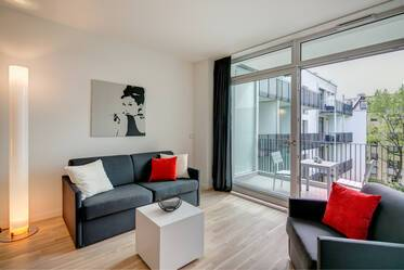 First-class studio apartment with concierge service in Bogenhausen