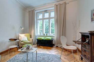 At the Isar: Nicely furnished 1-room apartment with great view in Munich-Au-Haidhausen