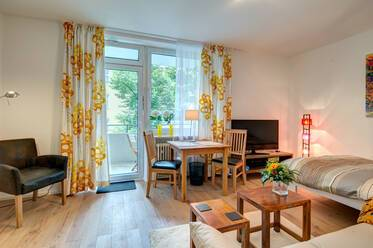 Beautiful 1-room apartment with like new furniture in good location near Hohenzollernplatz