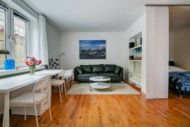 Munich-Lehel: Very good, nicely furnished 1-room apartment right at the U-Bahn U4/U5