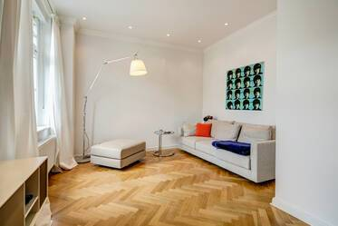 Luxuriously furnished apartment in great location in Schwabing
