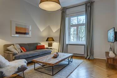 Best location in Schwabing: Modern, high-quality furnished 2.5-room apartment with 77sqm