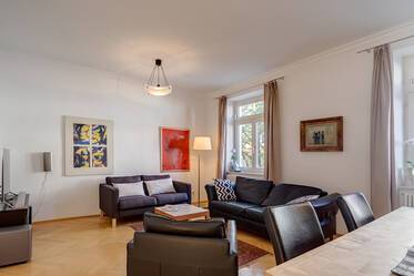 Very beautiful, furnished 3-room period apartment in sought-after location in Schwabing