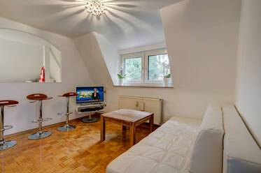 Gräfelfing/Lochham: peaceful and sunny 2-room attic apartment