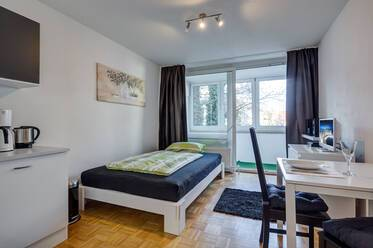 Beautifully furnished 1-room studio near the Rotkreuzplatz in Munich-Neuhausen