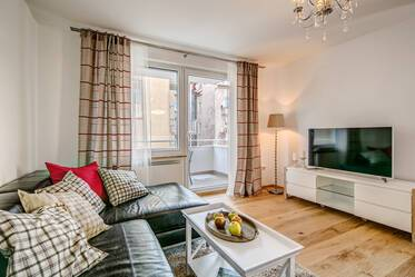 Prime location Maxvorstadt: high-quality apartment with balcony