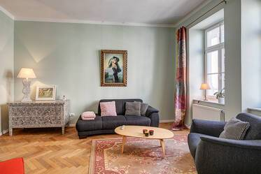 Very beautiful 3-room apartment with selected designer furniture in period building, Munich-Schwabing