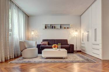 Spacious, high-quality apartment in Schwabing