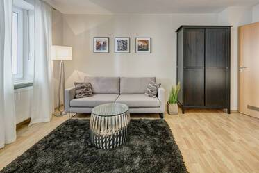 1-room apartment with furniture like new in very good location in Schwabing