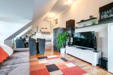 Beautifully furnished 2-room apartment with roof terrace in Munich Neuhausen