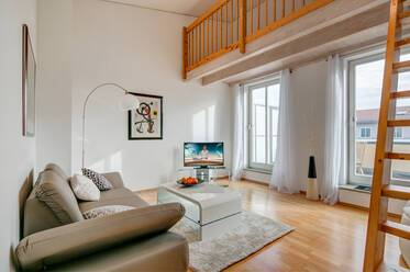 Sunny 2-room apartment with roof terrace in Munich-Haar