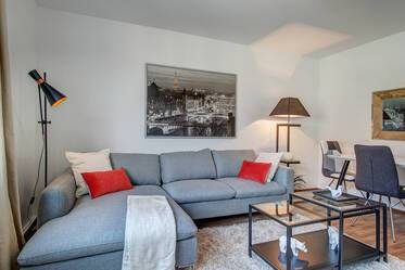 Beautiful, modernly furnished 3-room apartment in prime location in Schwabing